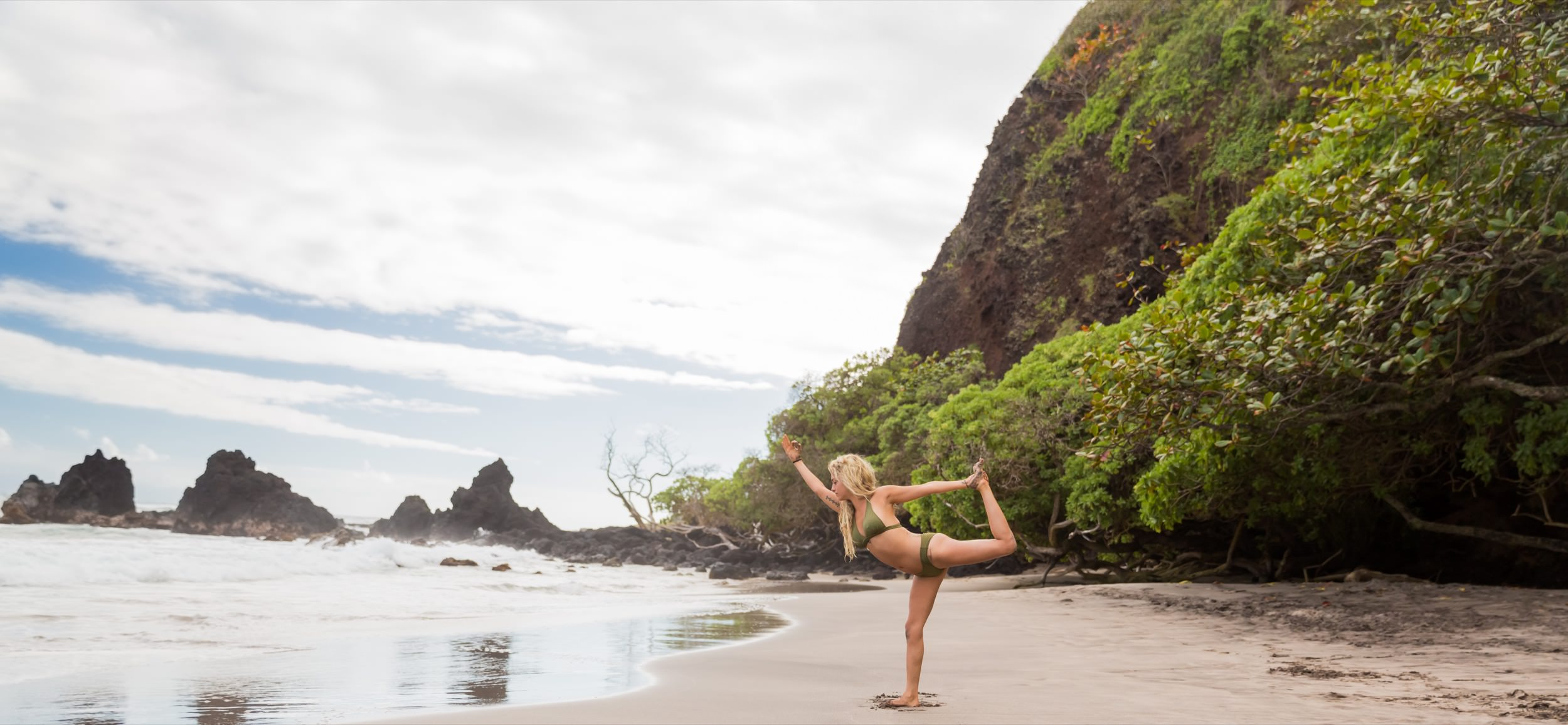 011_050_011015_Hana-Maui-Yoga-Retreat_Nicole-Goddard-Photography_NMG_7394